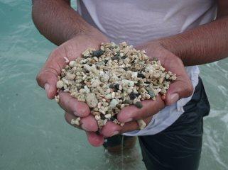 pasir kasar bersih tanpa lumpur